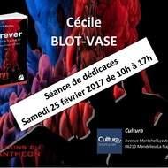 Séance de dédicaces avec Cécile BLOT-VASE